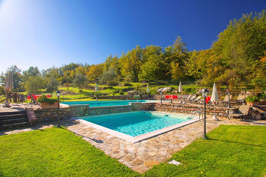 italian-wellness-piscine-due-livelli